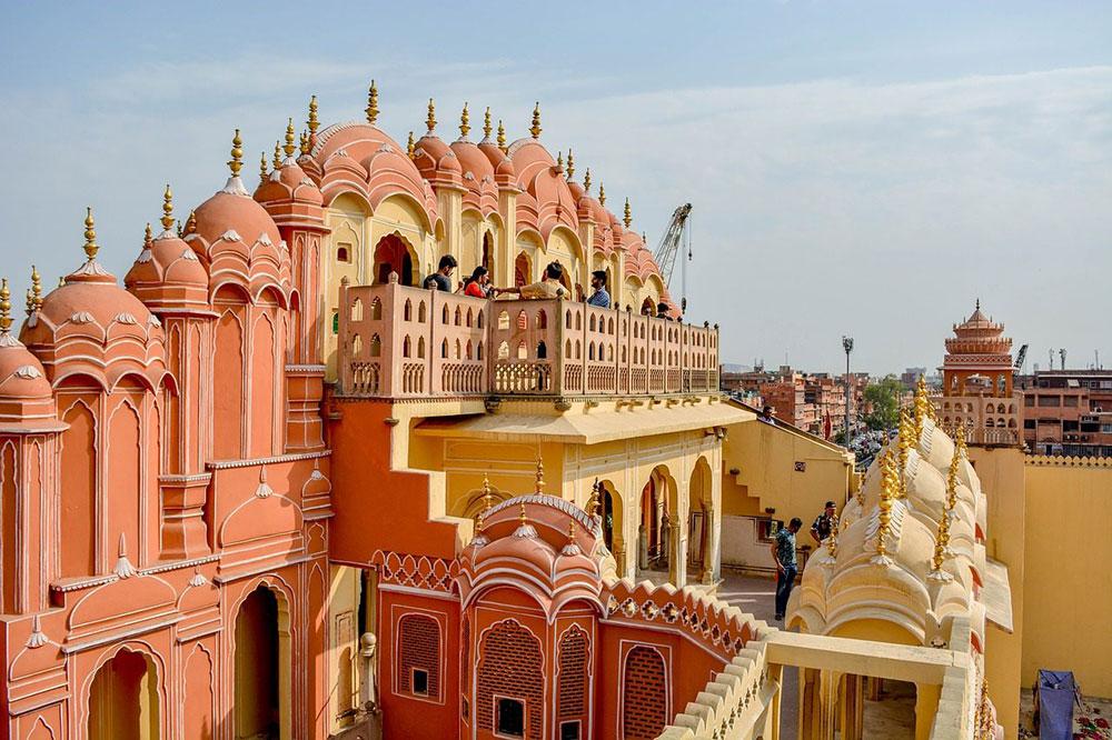 Hawa-Mahal-Palace-Jaipur-WELCOME-TO-LUXURY-TOURISM-with-Claudia-M.-Gómez-