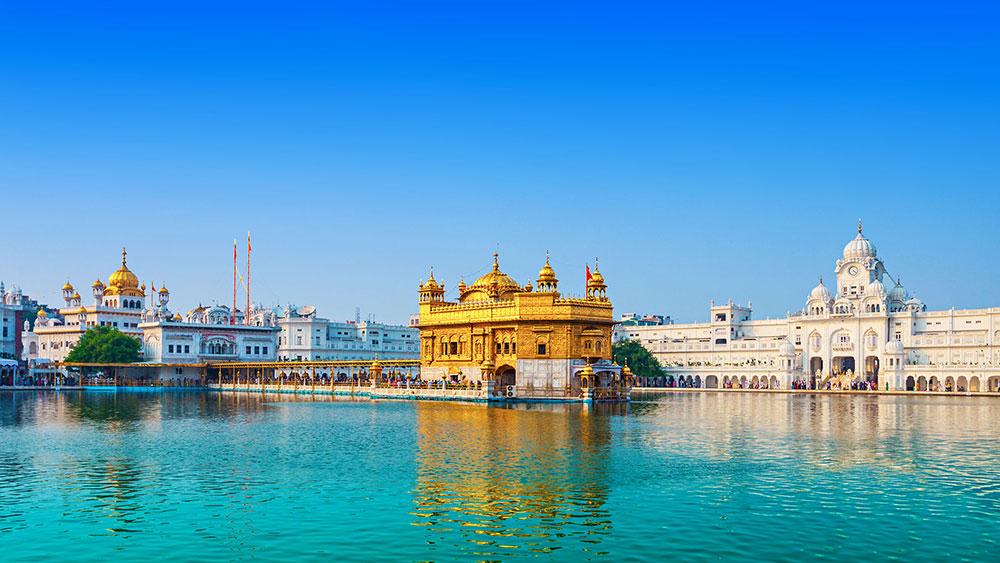 India---WELCOME-TO-LUXURY-TOURISM-with-Claudia-M.-Gómez---templo-de-ori-Amritsar